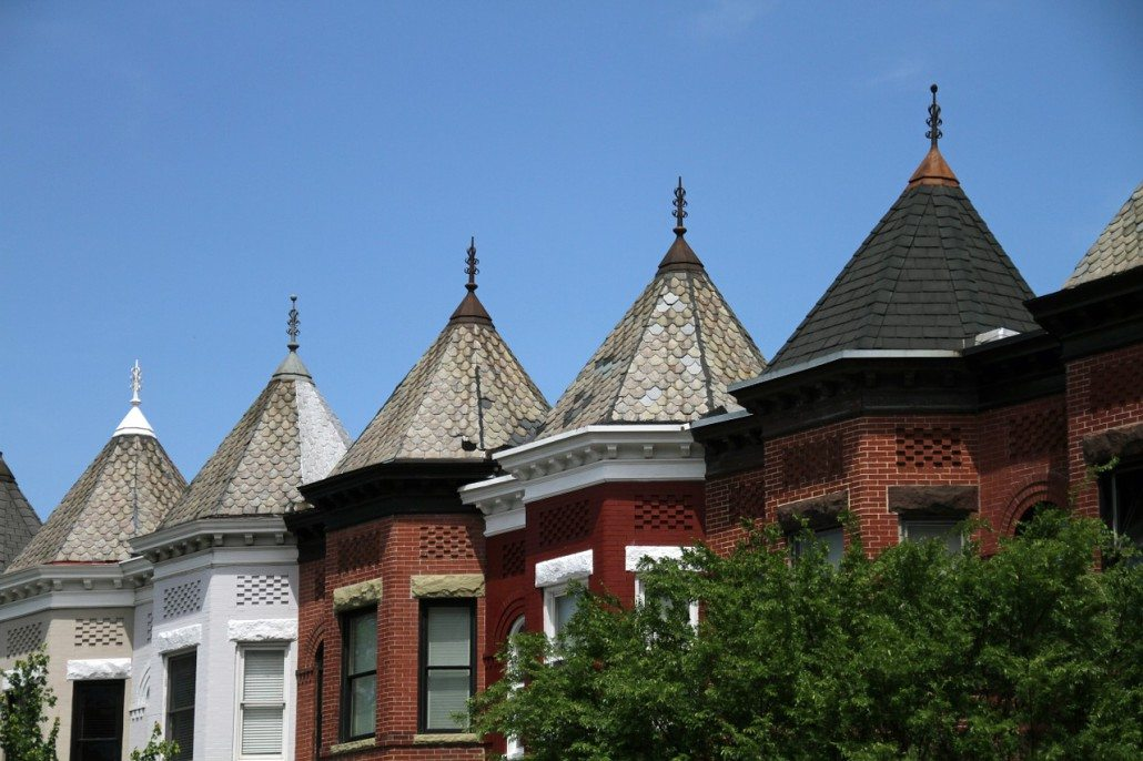 roofs-1512508_1280